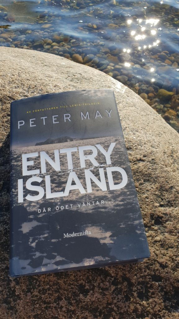 Bokmalen.nu har läst och recenserat Entry Island av Peter May.
